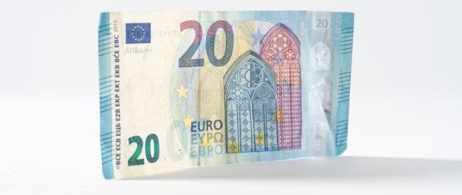 euro-note-unsplash-809675-edited